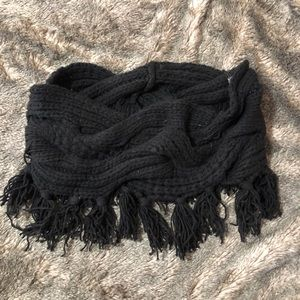 BCBG ✨NEW W/TAGS✨Thick Knit infinity Scarf